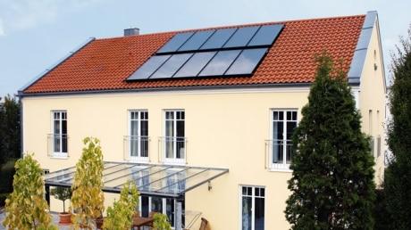 Слънчев колелтор Vitosol 200-FM, двуфамилна къща в Гайзенфелд